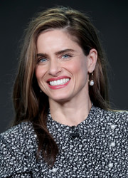 Amanda Peet opted for a casual side-parted style when she attended the 2017 Winter TCA Tour.