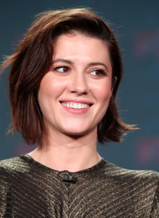Mary Elizabeth Winstead went casual with this bob at the 2017 Winter TCA Tour.