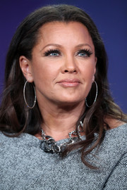 Vanessa Williams sported a center-parted wavy hairstyle at the 2017 Winter TCA Tour.