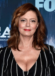 Susan Sarandon attended the 2017 Winter TCA Tour Fox All-Star Party wearing bouncy shoulder-length waves with side-swept bangs.