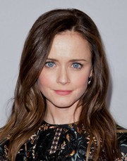 Alexis Bledel looked pretty with her long wavy hairstyle at the 2017 Hulu TCA Winter Press Tour.