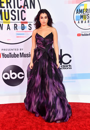 Lauren Jauregui worked a strapless purple and black gown by Pamella Roland at the 2018 American Music Awards.
