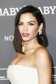 Jenna Dewan-Tatum was stylishly coiffed with asymmetrical waves at the 2018 Baby2Baby Gala.