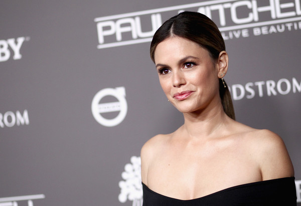 Rachel Bilson opted for a simple ponytail with an off-center part when she attended the 2018 Baby2Baby Gala.
