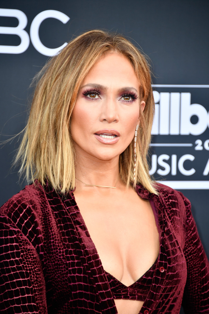 Jennifer Lopez's Messy Bob - Haircuts For Women Over 40