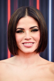 Jenna Dewan-Tatum went heavy on the eyeshadow for a vampy beauty look.