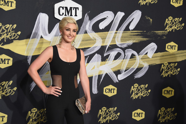 More Pics of Maggie Rose Short Side Part (1 of 6) - Short Hairstyles Lookbook - StyleBistro [yellow,blond,flooring,talent show,style,arrivals,maggie rose,bridgestone arena,nashville,tennessee,cmt music awards]