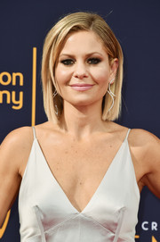 Candaca Cameron Bure wore her hair in a neat bob at the 2018 Creative Arts Emmy Awards.