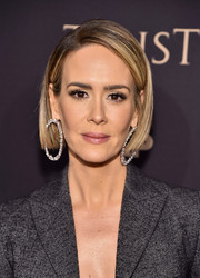 Sarah Paulson showed off a super-sleek bob at the 2018 FX All-Star Party.