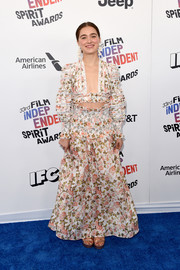 Haley Lu Richardson looked festive in a Zimmermann floral crop-top with blouson sleeves at the 2018 Film Independent Spirit Awards.