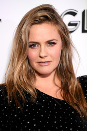 Alicia Silverstone rocked messy-sexy hair at the 2018 Glamour Women of the Year Awards.