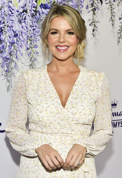 More Pics of Ali Fedotowsky Strappy Sandals (1 of 2) - Ali Fedotowsky Lookbook - StyleBistro [red carpet,hair,clothing,hairstyle,blond,long hair,smile,outerwear,dress,eyelash,neck,ali fedotowsky,summer tca,residence,beverly hills,california,hallmark channel]