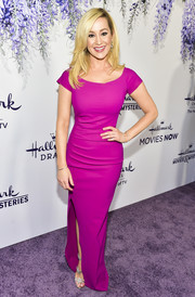 Kellie Pickler cut a shapely silhouette in this fitted magenta gown at the 2018 Hallmark Channel Summer TCA event.