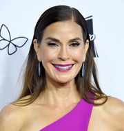 Teri Hatcher opted for a simple straight hairstyle when she attended the 2018 From Paris with Love Gala.