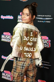 Jenna Ortega made a political statement with this graffiti-print leather jacket at the 2018 Radio Disney Music Awards.