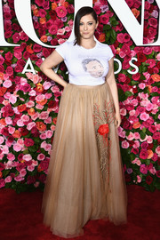 Rachel Bloom dressed up her tee with an embroidered ball skirt by Galia Lahav Couture.