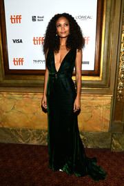 Thandie Newton was sexy-glam in a deep-V emerald fishtail gown by Oscar de la Renta at the TIFF premiere of 'The Death and Life of John F. Donovan.'