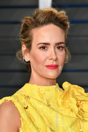 Sarah Paulson styled her hair into a messy pompadour for the 2018 Vanity Fair Oscar party.