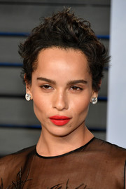 Zoe Kravitz looked super cool with her messy short 'do at the 2018 Vanity Fair Oscar party.