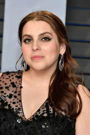 Beanie Feldstein showed off a perfect cat eye.