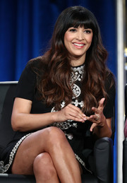 Hannah Simone wore flowing waves and rounded bangs at the 2018 Winter TCA Tour.