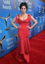Sarah Silverman got glammed up in a low-cut red mermaid gown by Rebecca Vallance for the 2018 Writers Guild Awards.