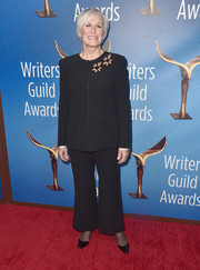 Glenn Close opted for a simple black pantsuit when she attended the 2018 Writers Guild Awards.
