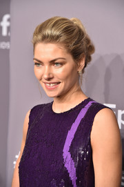 Jessica Hart attended the 2018 amfAR Gala New York wearing her hair in a stylish row of knots.