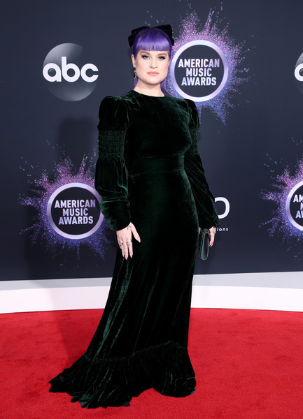 More Pics of Kelly Osbourne Evening Dress (5 of 6) - Kelly Osbourne Lookbook - StyleBistro [red carpet,carpet,clothing,dress,flooring,fashion,shoulder,haute couture,premiere,gown,arrivals,kelly osbourne,american music awards,microsoft theater,los angeles,california]