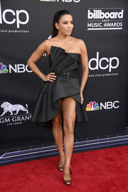 Eva Longoria looked dangerously sexy in a super-short strapless LBD by Alberta Ferretti at the 2019 Billboard Music Awards.