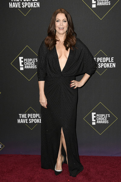 A pair of black and silver pumps polished off Bellamy Young's look.