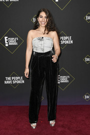 Alessia Cara attended the 2019 E! People's Choice Awards wearing a gray denim tube top by Armani.
