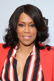 Regina King wore her hair in glamorous curls at the 2019 Essence Black Women in Hollywood Awards.