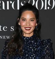 Olivia Munn looked sweet and pretty with her half-up curls at the 2019 InStyle Awards.