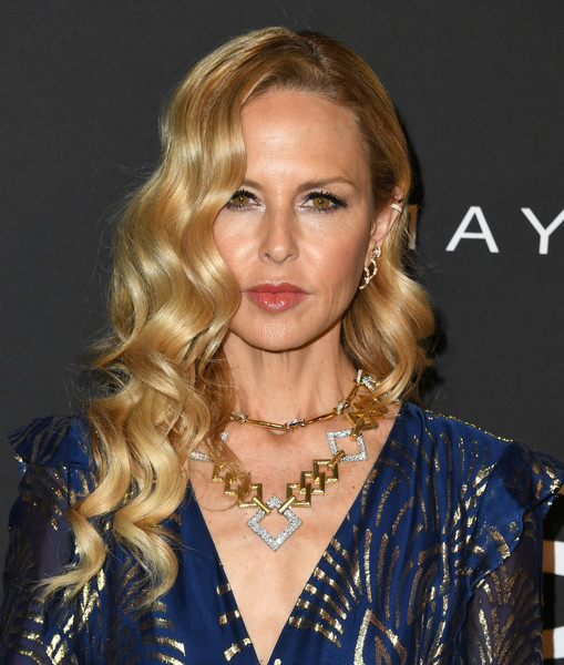 Rachel Zoe showed off an elegant wavy 'do at the 2019 InStyle Awards.