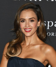Jessica Alba looked lovely with her bouncy waves at the 2019 InStyle Awards.