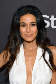 Emmanuelle Chriqui wore her long hair loose with a center part and barely-there waves at the InStyle and Warner Bros. Golden Globes after-party.
