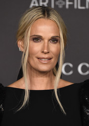 Molly Sims styled her hair into a glamorous loose ponytail for the 2019 LACMA Art + Film Gala.