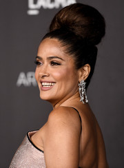 Salma Hayek got majorly retro with this beehive at the 2019 LACMA Art + Film Gala.