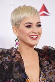 Katy Perry looked adorable with her blonde pixie at the 2019 MusiCares Person of the Year event.