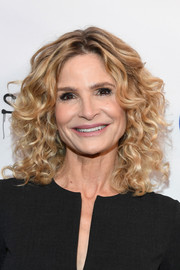 Kyra Sedgwick wore a gorgeous curly 'do at the 2019 Spotlight Initiative Awards Gala.