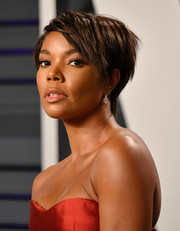 Gabrielle Union rocked an edgy-chic pixie at the 2019 Vanity Fair Oscar party.