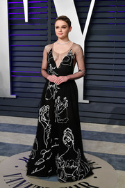 Joey King went for whimsical glamour in a graphic embroidered gown by Yanina Couture at the 2019 Vanity Fair Oscar party.