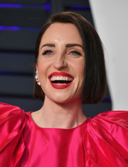 Zoe Lister Jones attended the 2019 Vanity Fair Oscar party wearing her hair in a simple bob.