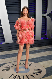 Hailee Steinfeld looked super sweet in a richly textured floral cocktail dress by Elie Saab Couture at the 2019 Vanity Fair Oscar party.