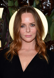 Stella McCartney looked lovely with her face-framing waves at the 2019 WWD Honors.