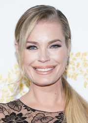 Rebecca Romijn went for casual elegance with this side-swept ponytail at the 2019 Winter TCA Tour.