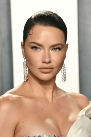 Adriana Lima showed off a perfectly sleek bun at the 2020 Vanity Fair Oscar party.