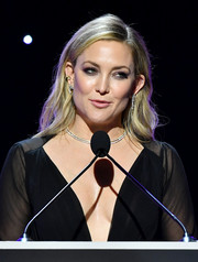 Kate Hudson looked beautiful with her loose side-parted 'do at the 2020 Writers Guild Awards.