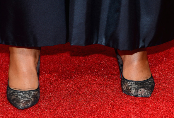 More Pics of Kerry Washington Classic Bun (1 of 19) - Kerry Washington Lookbook - StyleBistro